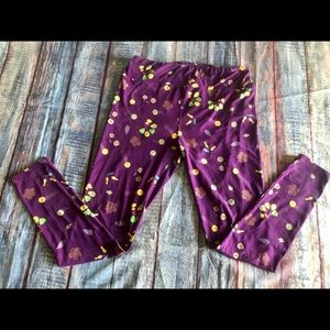 LulaRoe Tall and Curvy purple floral leggings